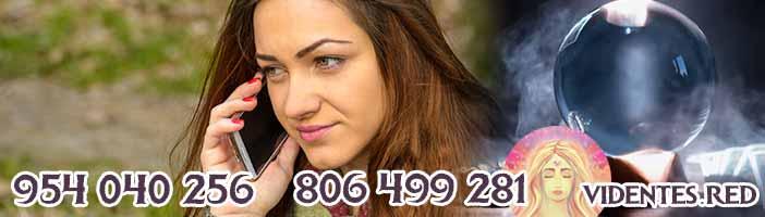 Puedes hablar con videntes online o por llamada telefónica